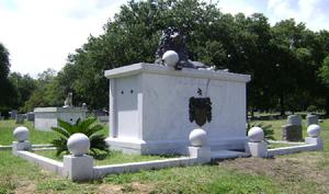 SINGLE MARBLE CRYPT WITH BRONZE SCULPTURE